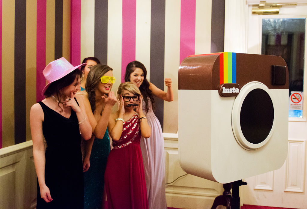 DIY Photo Booth Inspired by Instagram