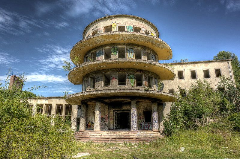 10 Beautiful Scary Abandoned Places Photography By Urbex